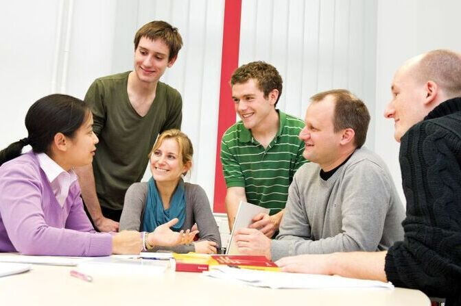 Dialogue between Junior Professors and Students
